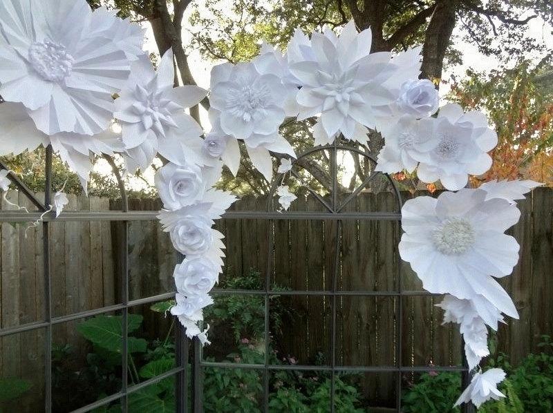 Как сделать большой цветок из белой бумаги своими руками